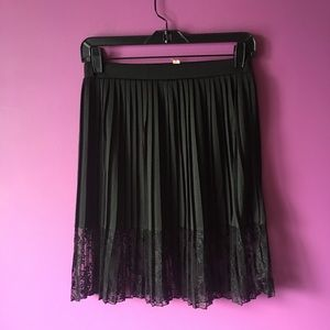Philosophy- black pleaded lace skirt size S
